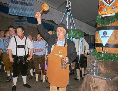 Oktoberfest des Musikzugs lockt rund 1000 Gäste ins Festzelt